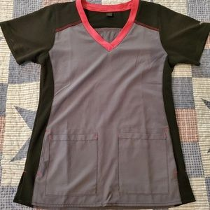 Carhartt Cross-Flex scrub top
